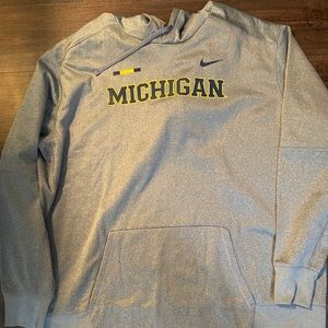 Men's Nike Dry fit Michigan Wolverines hoodie 4XL